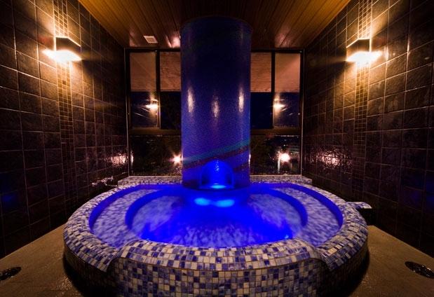 和歌山県のホテル「和歌の浦温泉 萬波 MANPA RESORT」の魅力③2種類の貸切風呂