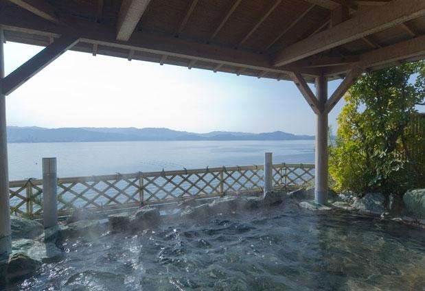 和歌山県のホテル「和歌の浦温泉 萬波 MANPA RESORT」の魅力④観光スポットへのアクセス良好