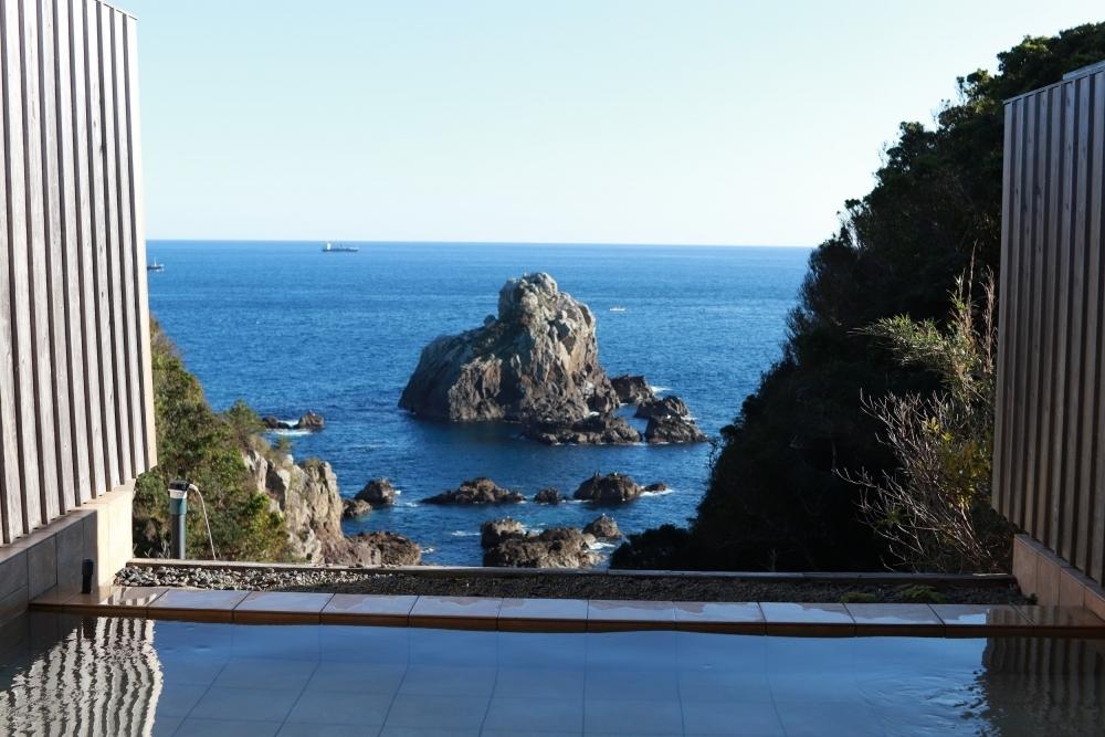 ゆっくり湯浴みできる貸切露天風呂が嬉しい「ACN南紀串本リゾート大島」(和歌山)