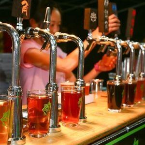 世界のクラフトビールを緑豊かな広場で飲み比べ!「2017 けやきひろば 春のビール祭り」