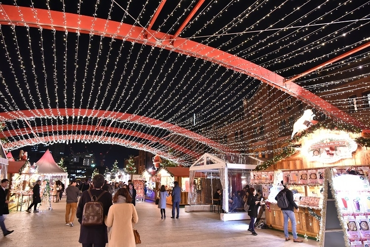 毎年人気の「Christmasクリスマス マーケット in 横浜赤レンガ倉庫」