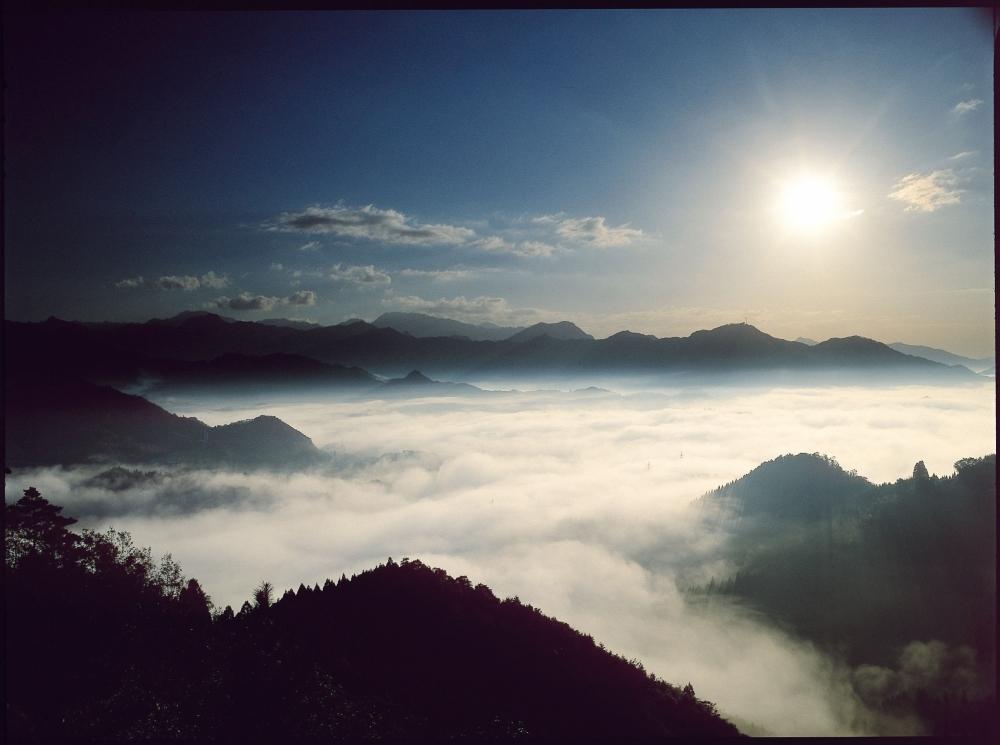 行くべきスポット③ 雲海の名所・国見ケ丘
