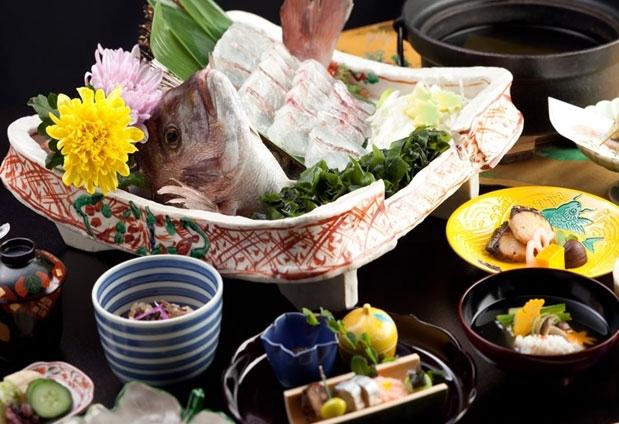 「料亭旅館 人丸花壇」の魅力とは②明石の海の幸をいただく
