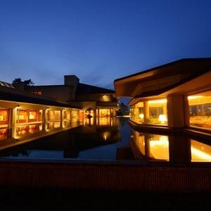 皆生温泉の宿では珍しい自家源泉を所有。弓ヶ浜に面する安らぎのホテル