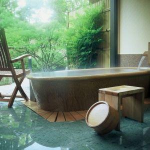 大人の休日を過ごせる宿。とっておきの隠れ家を探しに、金沢の奥座敷へ
