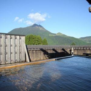 大分・湯布院への温泉旅に選びたい。眺望自慢の露天風呂がある宿とは