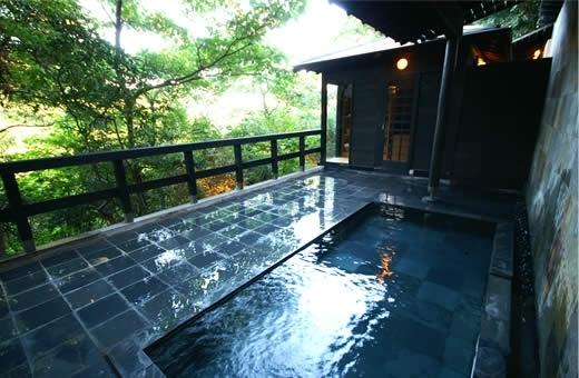 伊東温泉のおすすめ宿① 源泉と離れのお宿-月