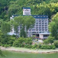 自然に囲まれた香川「ハイパーリゾートヴィラ塩江」でとことん癒される