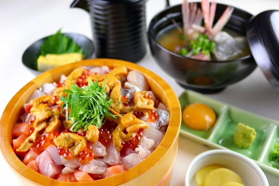 沼津魚市場の新鮮な魚介類が食べられるお店!「沼津かねはち」の魅力②ひつまぶし丼