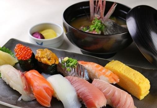 沼津魚市場の新鮮な魚介類が食べられるお店!「沼津かねはち」の魅力④沼津かねはちへのアクセス