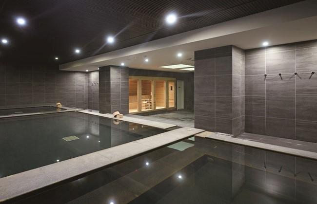 ゆっくり浸かるなら内風呂、ゆったりするなら大浴場へ。