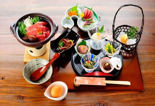 「那須温泉 美肌名湯憩いの宿 茜庵」の魅力とは③絶品料理を堪能