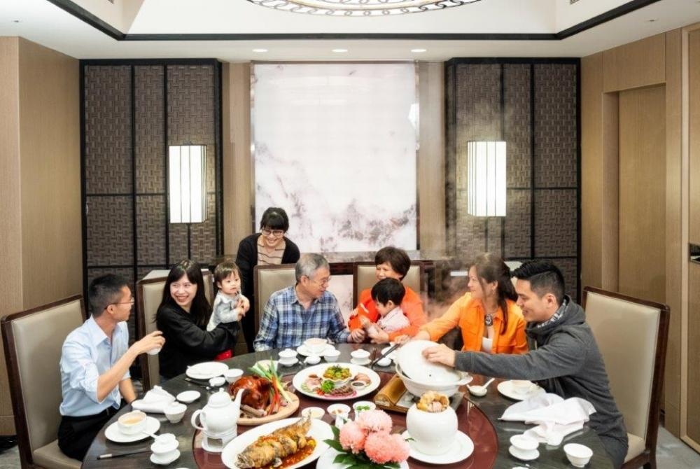 春節は、五つ星級レストランを擁するコートヤードへ。