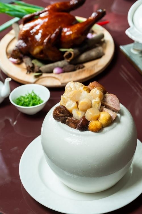 """仏様も驚く美味しさ! 年菜の主役""""ぶっとびスープ""""は必食。"""