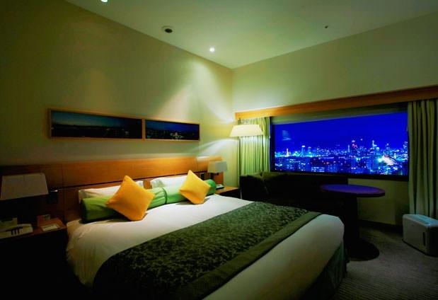 美食の街・神戸への旅で利用したいホテル①神戸ポートピアホテル