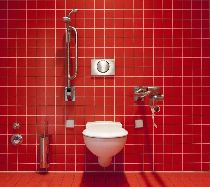 海外の困ったトイレ事情①中国:扉がない