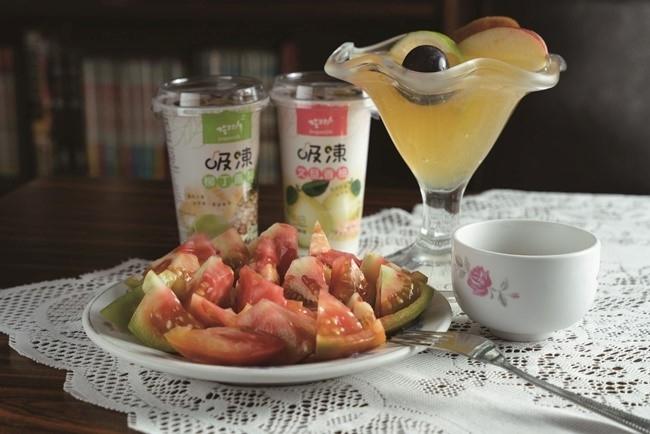フルーツとして楽しむ生姜トマトは、飲むゼリーと一緒に。