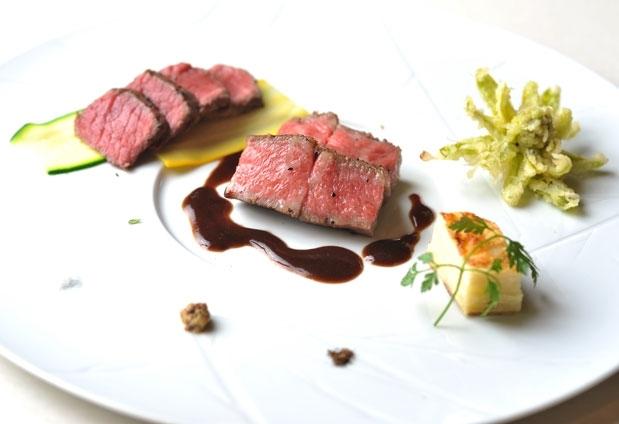 和歌山県「山荘 天の里」の魅力2:フレンチと和食の堪能できるレストラン