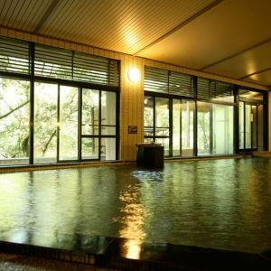 心ときめく石川の旅。「みどりの宿 萬松閣」で贅沢な天然温泉を堪能