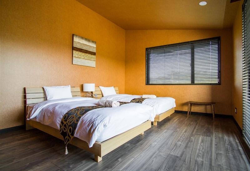 カラーテーマのあるベッドルーム