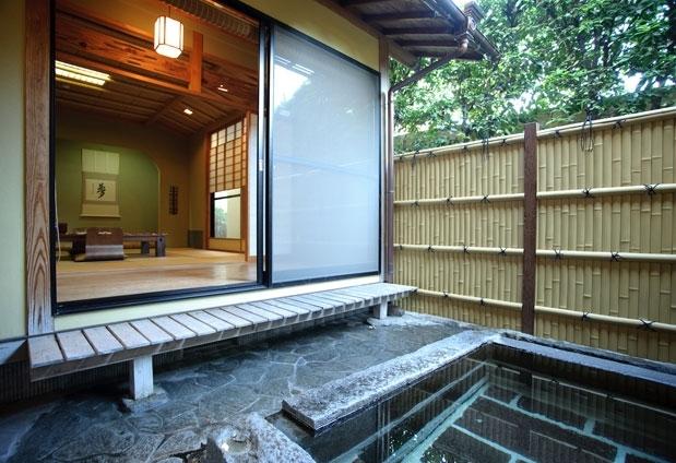 露天風呂付き客室のある九州の温泉宿① 旅荘きくや