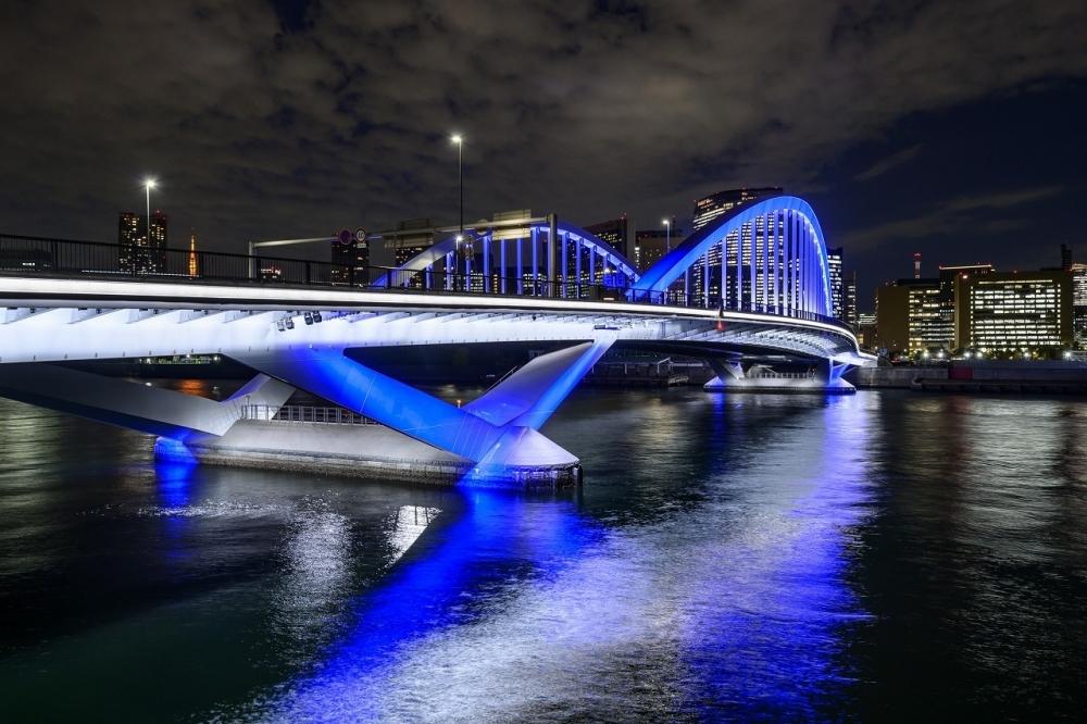 今年誕生した橋からの新・東京夜景「築地大橋橋詰広場付近」