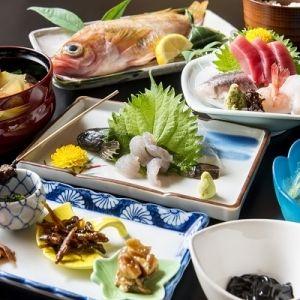 冬の金沢観光で「加賀料理 魚半」の名物じぶなべを満喫